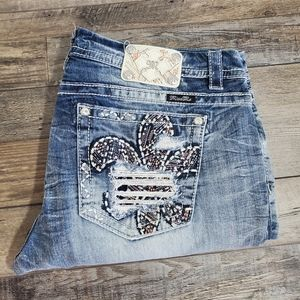 Miss me ripped pocket light wash boot jeans